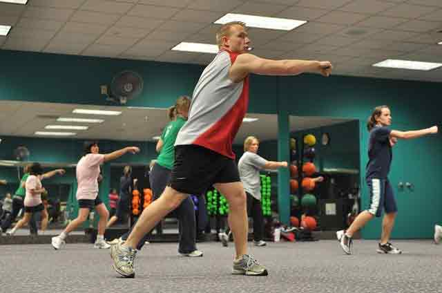 Is kickboxing a good way to lose weight? Not in a cardio kickboxing class
