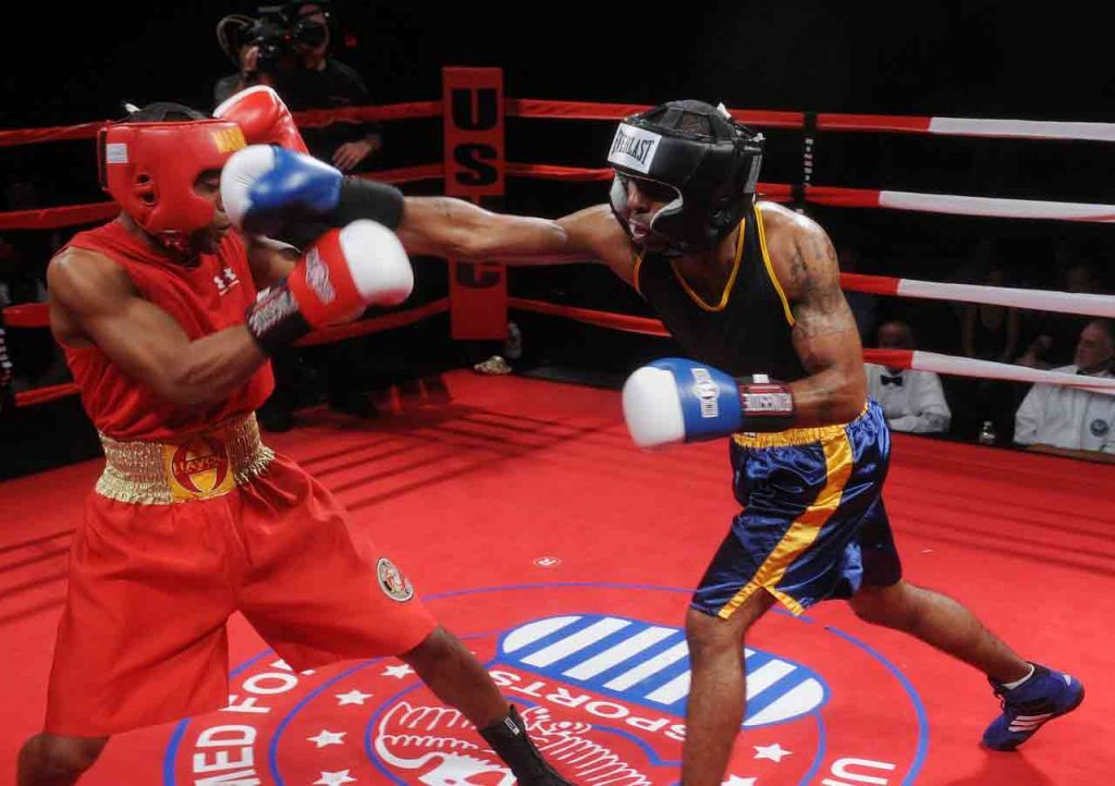 difference between boxing and kickboxing: boxing match
